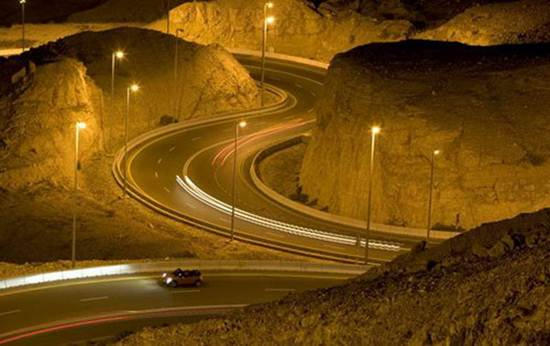 Jebel-Hafeet-Mountain-Road-UAE-3