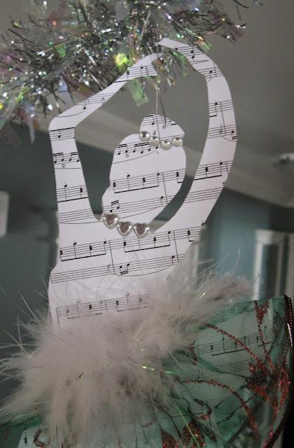 http://thelma-day.blogspot.ca/2014/12/christmas-ballerinas.html