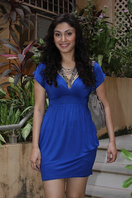 Manjari Fadnis Hot dress