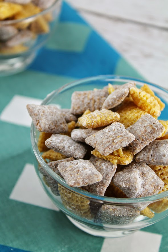 Caramel Puppy Chow - Reminds me of Harry and David's Moose Munch!