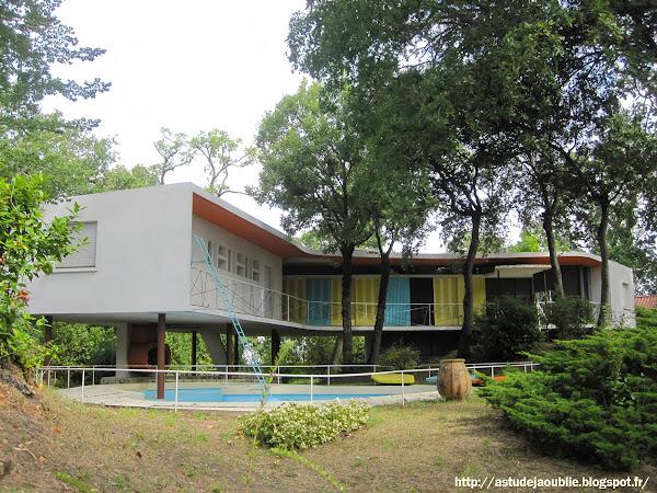 "Royan - Villa ""La Rafale"" ou ""Boomerang""  Architecte: Pierre Marmouget  Projet / Construction: 1955 - 1959"