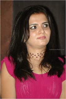 Vijay TV anchor Divyadarshini DD spicy photos
