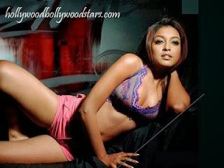 Bollywood Actresses Wear Hot Bikini