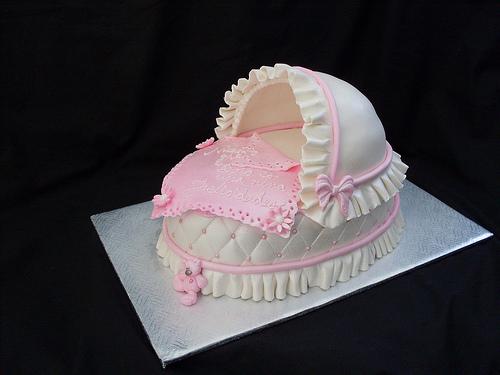 Bassinet Cake6