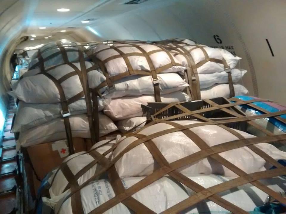 La Fuerza Aérea Colombiana envió uno de sus aviones Boeing C-40 cargado de ayuda humanitaria que será entregada a los damnificados en Chile.