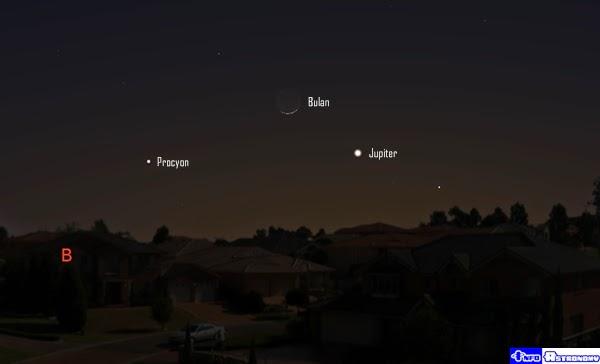 Senja Ini Bulan Sabit Dekati Planet Jupiter