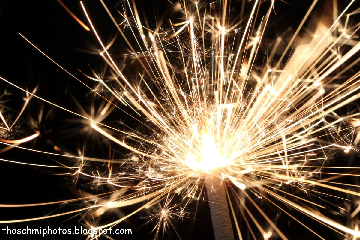 Displaying 14> Images For - Sparkler...