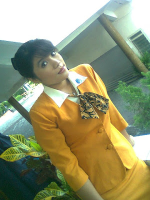Foto Sekretaris Cantik