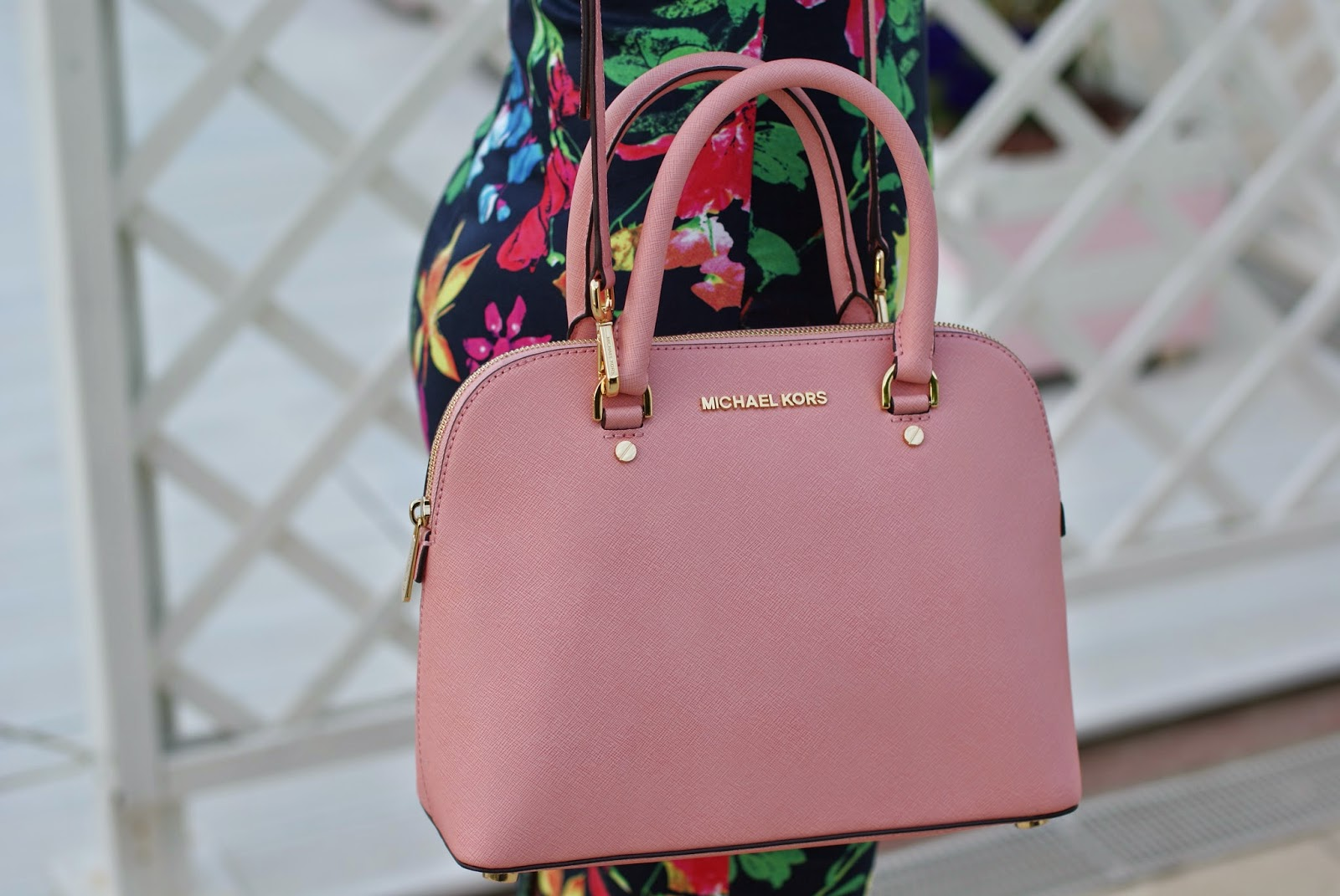 Michael Kors saffiano leather bag, Michael Kors Cindy medium pink bag, Fashion and Cookies fashion blog