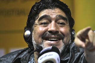 """Maradona: """"Si Pelé cree que Neymar es mejor que Messi, es porque se equivocó de pastilla"""""""