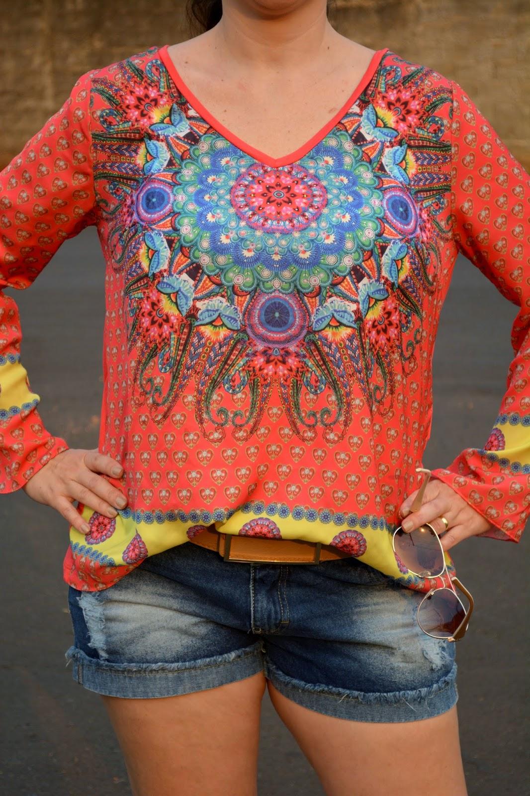 bata estampada, jeans destroyed, moda anos 70, moda anos 70 como usar, moda hippie, hippie chic, lalilu modas, blog camila andrade, blog de moda de ribeirão preto, look do dia