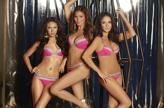 iza calzado in beauty queen bikini photo 04