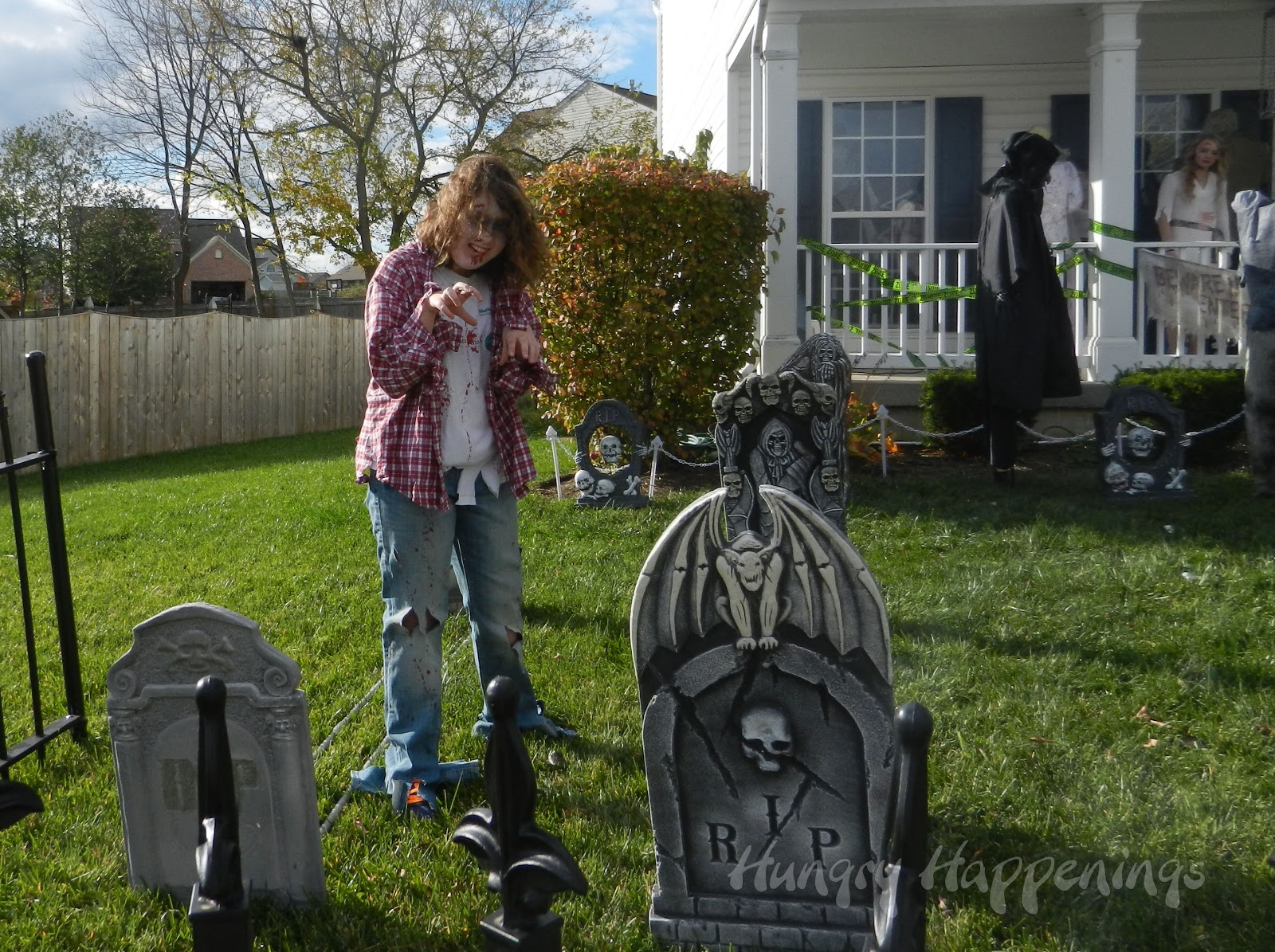 Halloween front garden ideas - Zombie Party Party Planning Ideas For Your Zombie Themed Event Zombie Party Party Planning Ideas For Your Zombie Themed Event Halloween Decorations