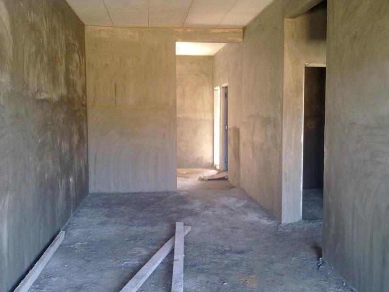 Ruang Tamu rumah kami yang telah diplaster dindingnya. Siling juga ...