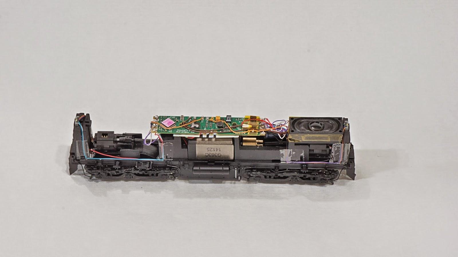 Auscision%2B45%2BTsunami%2BWiring bylong installation of a soundtraxx tsunami alco 251 v12 sound soundtraxx tsunami wiring diagram at pacquiaovsvargaslive.co