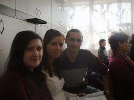 Cu o fostă şi cu o actuală elevă: Prof. Renata Buzău şi Mihaela Popa (cls. XII C), 12.11.2014...