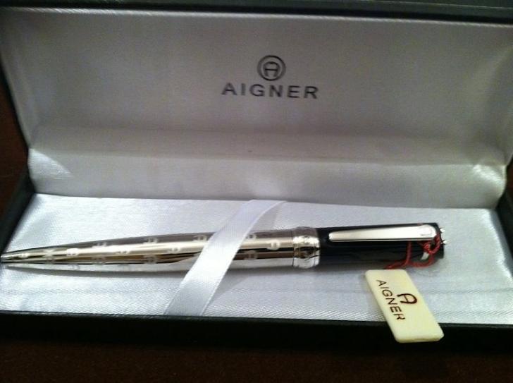 قلم  تقليد أجنر رقم2  بالعلبة