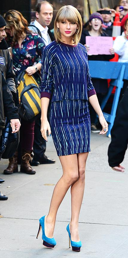 taylor swift, matching sets, matchy matchy, singer, style, street style, girl crush, culture and trend