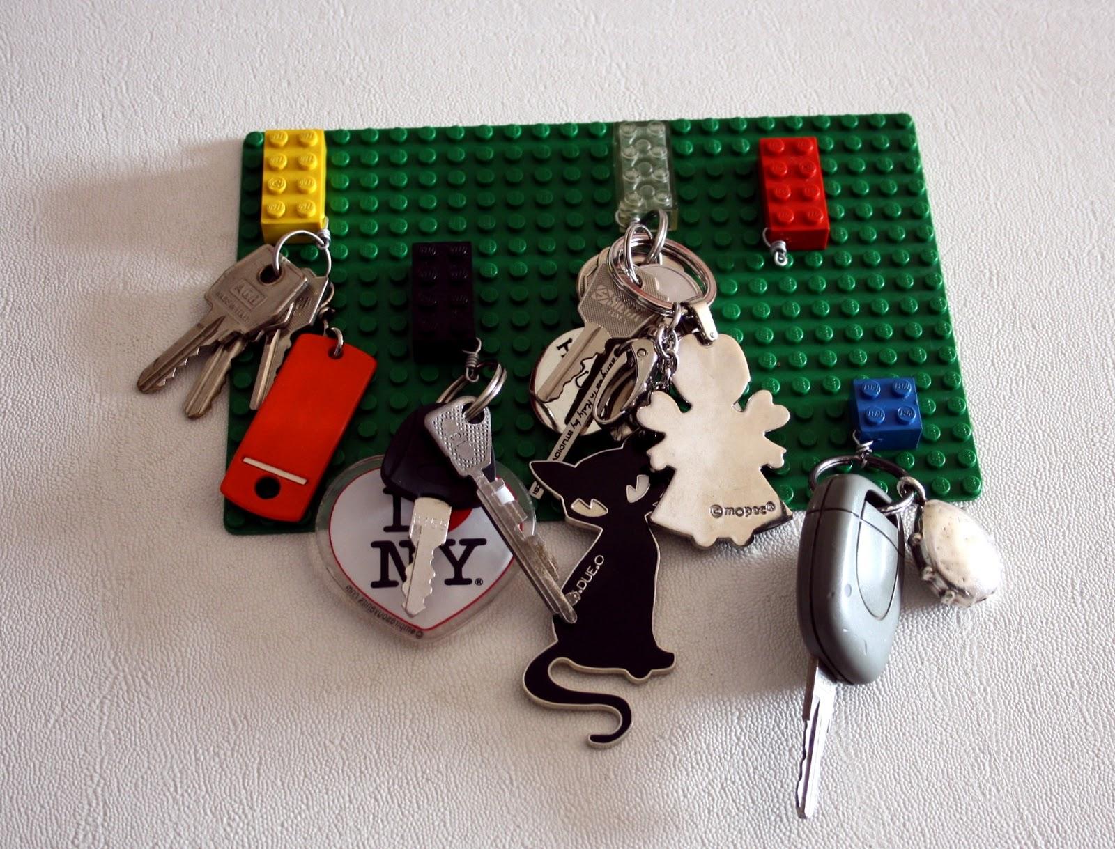 Il baule delle idee portachiavi da parete riciclando i lego - Portachiavi da parete ...