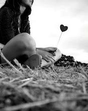 Si no estas conmigo, me muero en soledad, y todo me da igual
