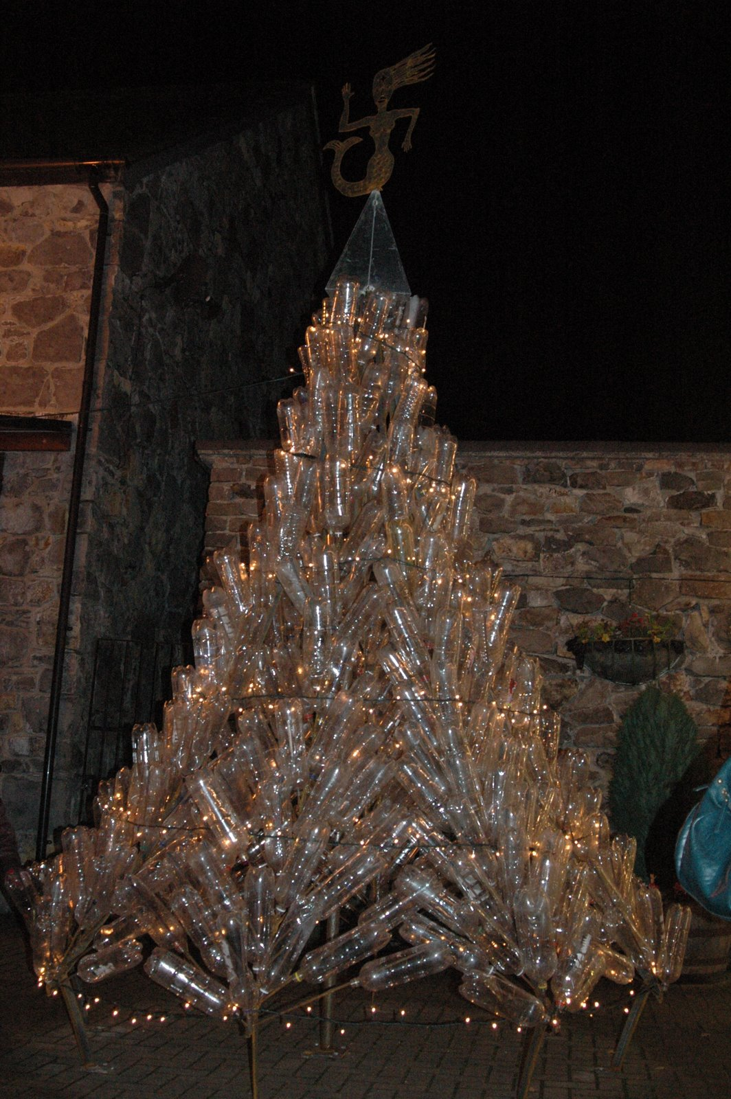 Tan Lan Metalworks The Alternative Christmas Tree Betws