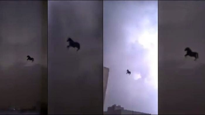 Video Kuda Terbang di Atas Mekkah Hebohkan Dunia Maya
