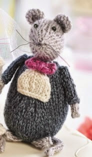 http://www.letsknit.co.uk/free-knitting-patterns/wedding-mice-toys
