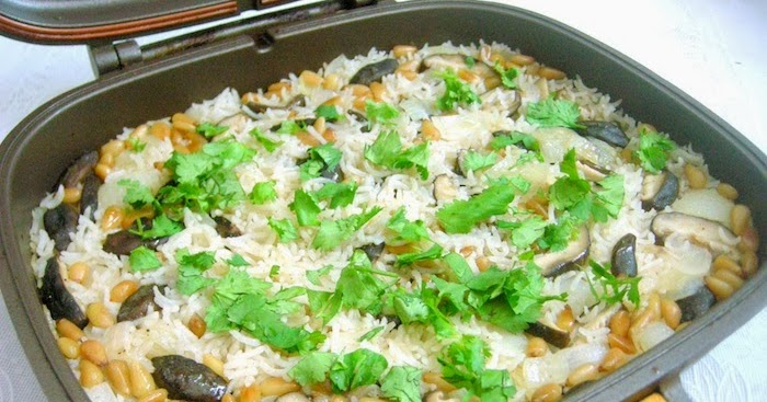 Peng's Kitchen: Rice Pilaf with Mushroom & Pinenuts