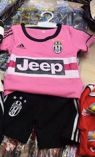 gambar desain terbaru jersey Juventus away Adidas foto photo kamera Jersey setelan bayi Juventus away Adidas terbaru musim 2015/2016 di enkosa sport toko online terpercaya lokasi di jakarta pasar tanah abang jakarta pusat
