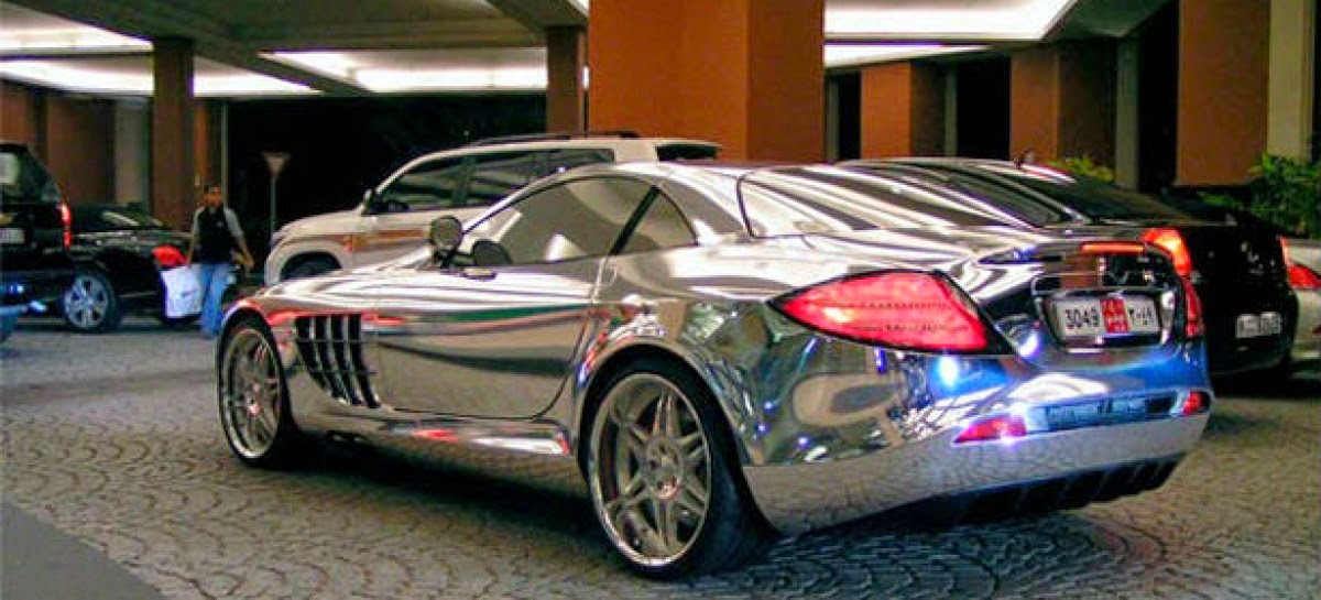 SAMO U EMIRATIMA Šeik došao u hotel u Mercedesu od bijelog zlata
