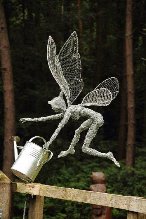Robin Wight Fantasywire fadas em esculturas de arame metal fantasia