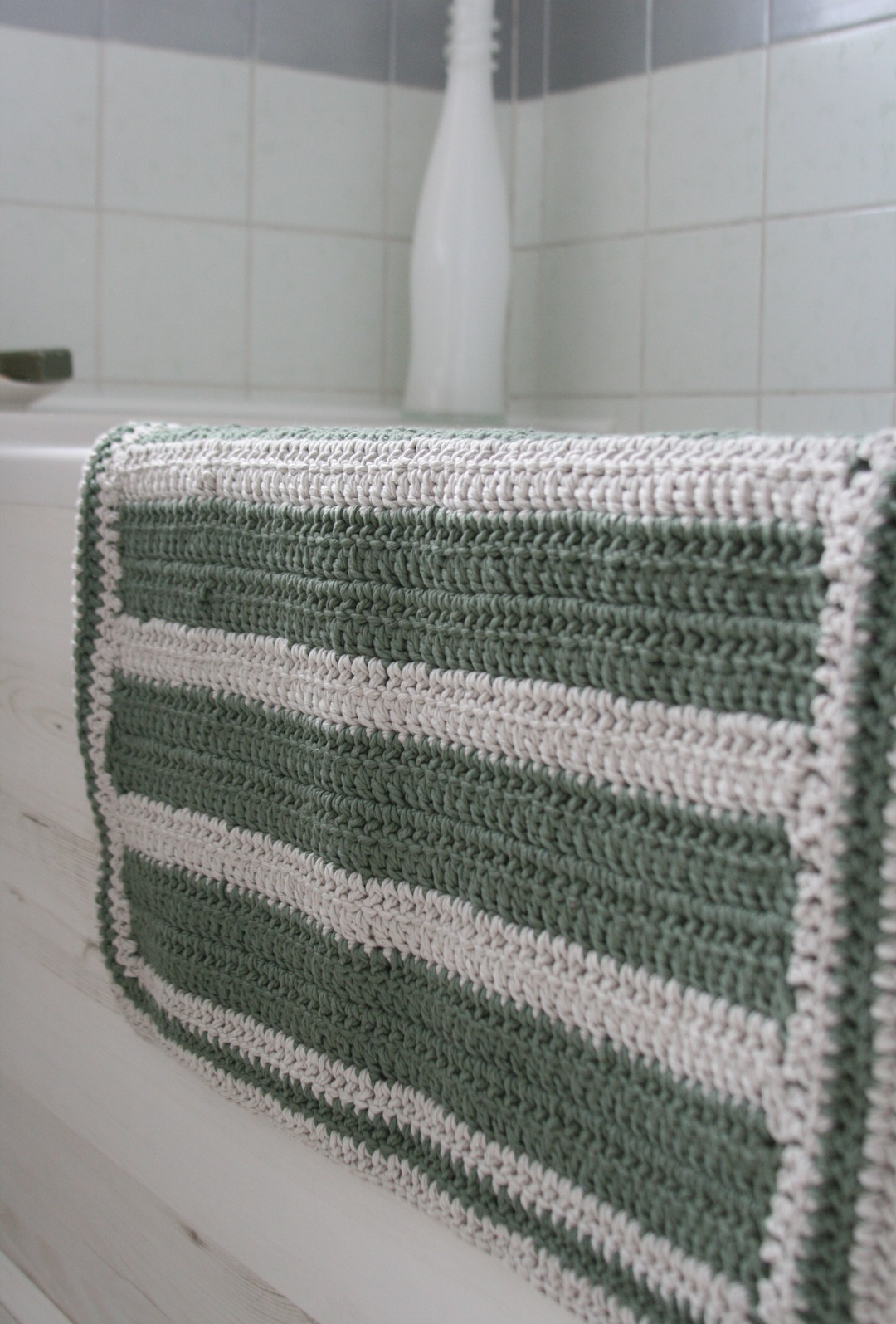 Just call me ruby simple crocheted bath mat bankloansurffo Choice Image