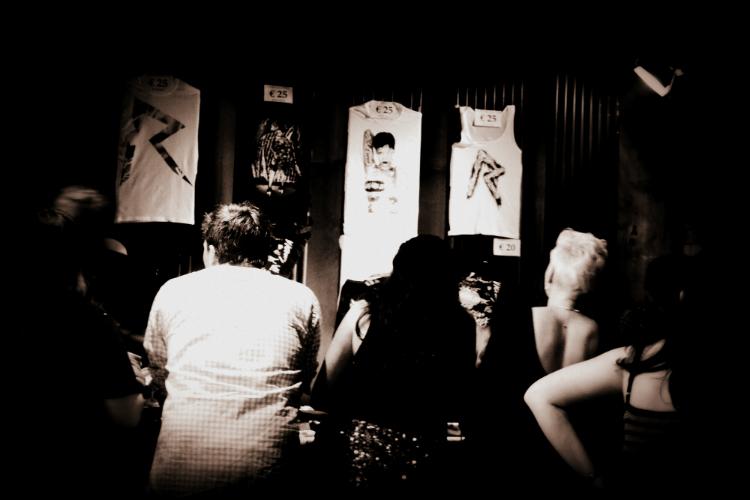 Inspiration,girl,fashion,clothing,blogger,berlin,germany,newyork,paris,paris,photography,news,online,business,famous,unknown,how,cool,trend,dipdye,fashionweek,myberlinfashion,jasmin,icon,model,catwalk,backstage,designer;MODEL SHOOTING,miami,shopping,dipdye,macarons,frnch,paris,deichmann,travel,hamburg,shoe step award,dress bag ring  perfume rihanna htc convert 777 tour
