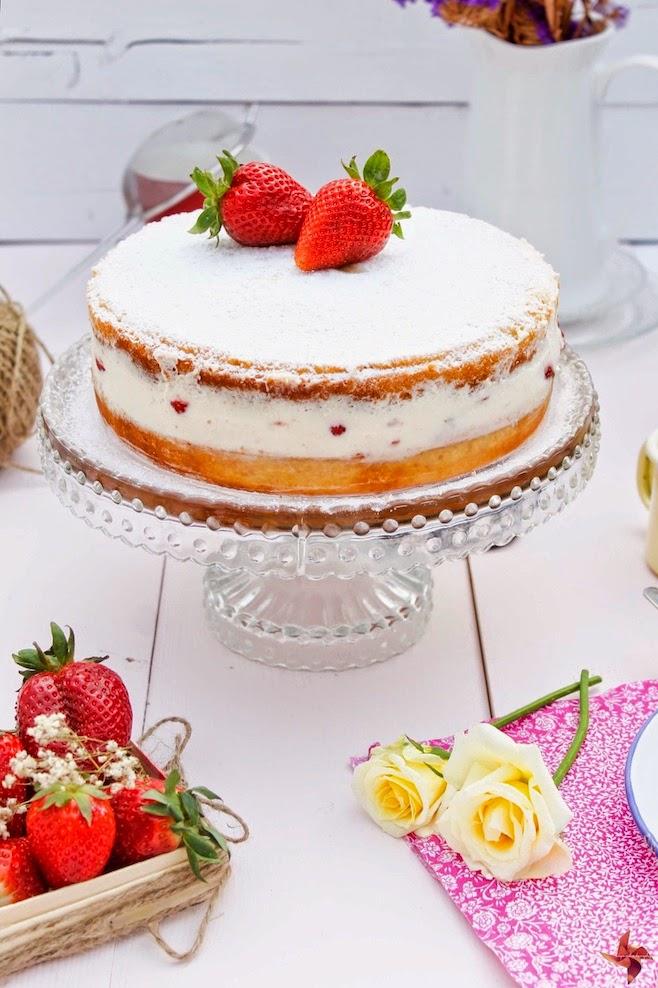 Nude Cake