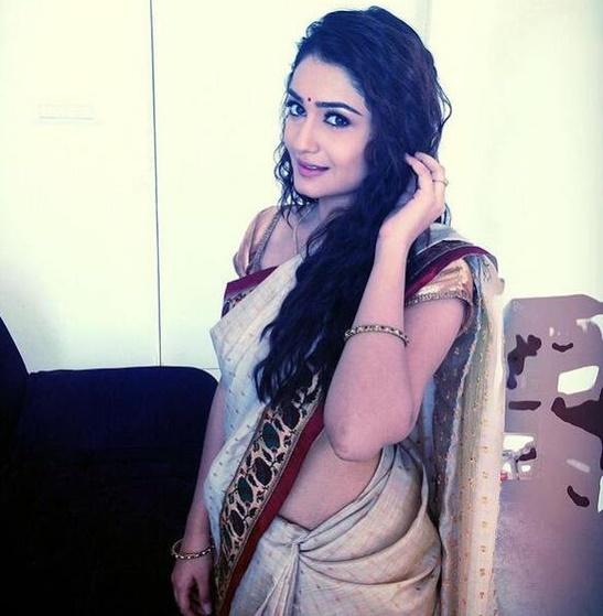 Tridha choudhury sexy saree