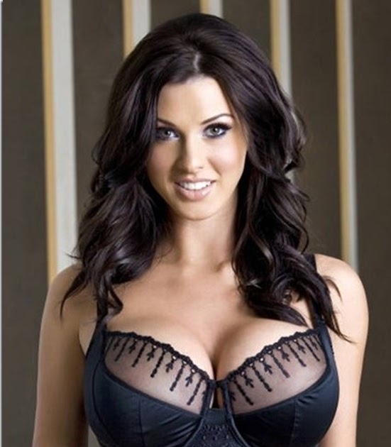 Alice Goodwin In Bikini