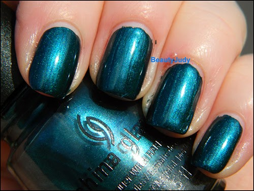 http://beautyjudy.com/2014/01/china-glaze-autumn-nights-pic-spam-and-giveaway-updates/