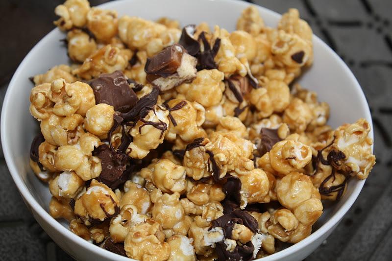 Jourdan Leigh in the kitchen: Twix Caramel Popcorn