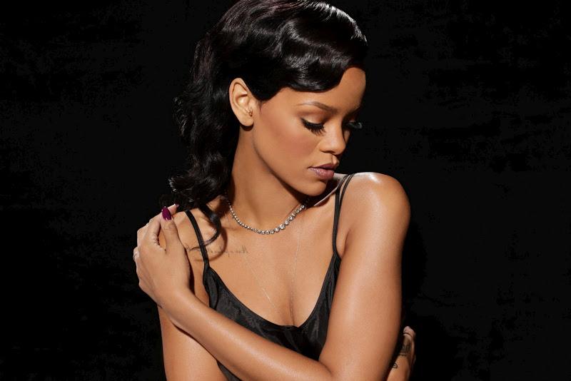 "Rihanna – ""Saturday Night Live"" Promos"