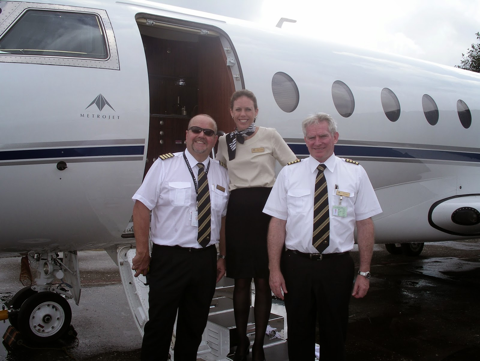 CABIN CREW TRAINING WHAT IS A PRIVATE OR CORPORATE JET FLIGHT ATTENDANT