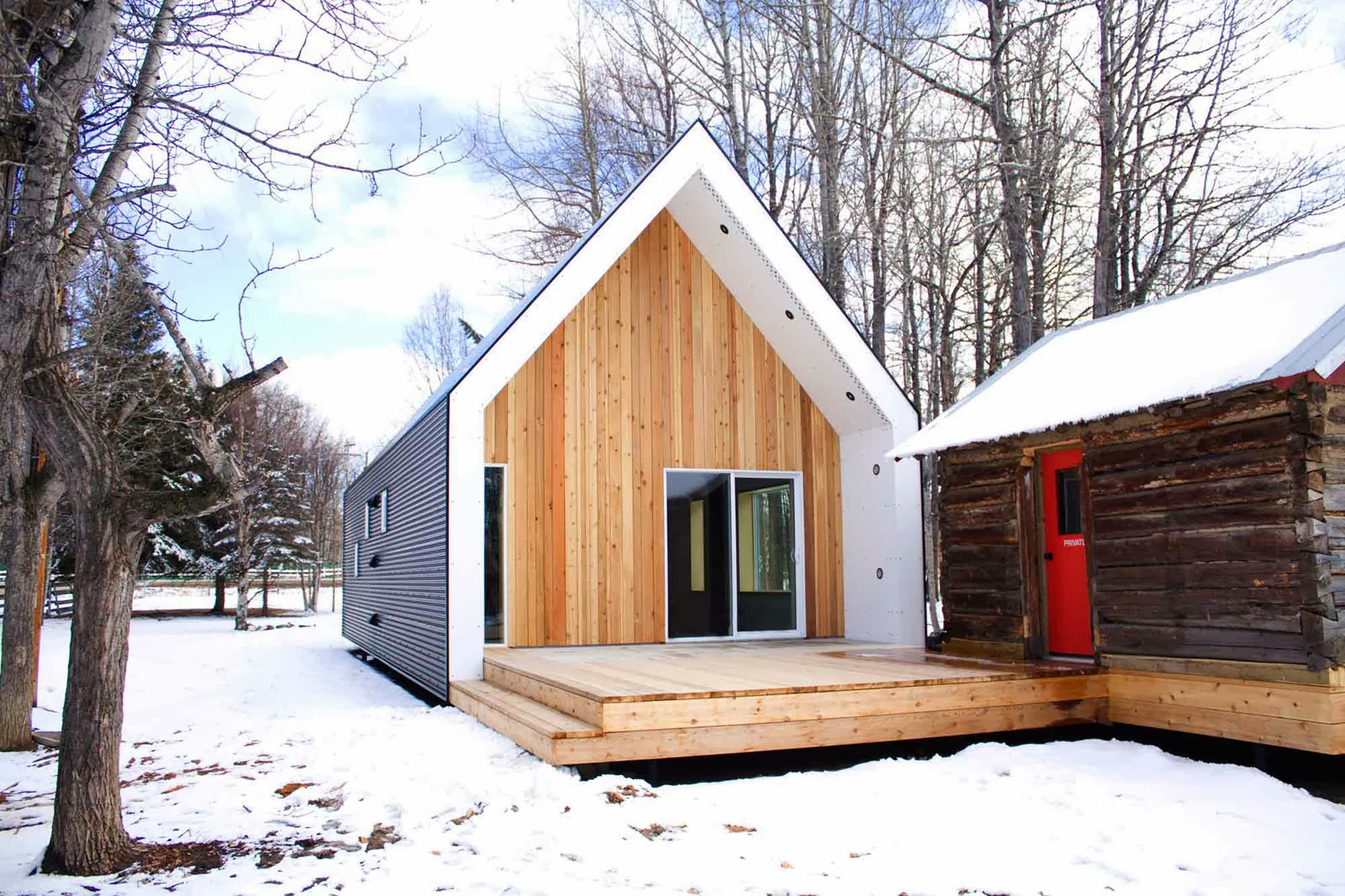 Coolest cabins warburg house canada for Cool small homes