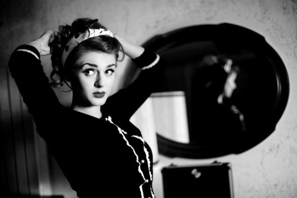 Ivana Gretel Macabre deviantart photos models red hair pin-up vintage noir