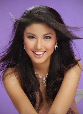Ia Mewakili Indonesia Di Ajang Miss Universe  Dan Mendapatkan Nilai Tertinggi Melalui Polling Di Situs Web Resmi Miss Universe