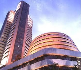 Sensex extends losses, down 72 points in early trade