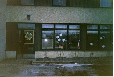Sollentuna 198, fönster till lågstadieskola. foto: Reb Dutius