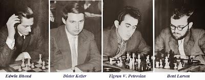 Los ajedrecistas Edwin Bhend, Dieter Keller, Tigran V. Petrosian y Bent Larsen