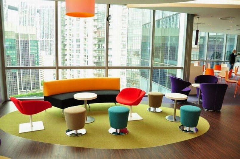 Colorful chairs to brighten up the workplace for Colorful office furniture