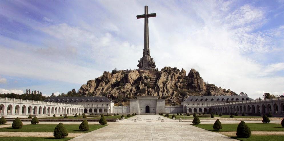 Monumen Paling Kontroversial