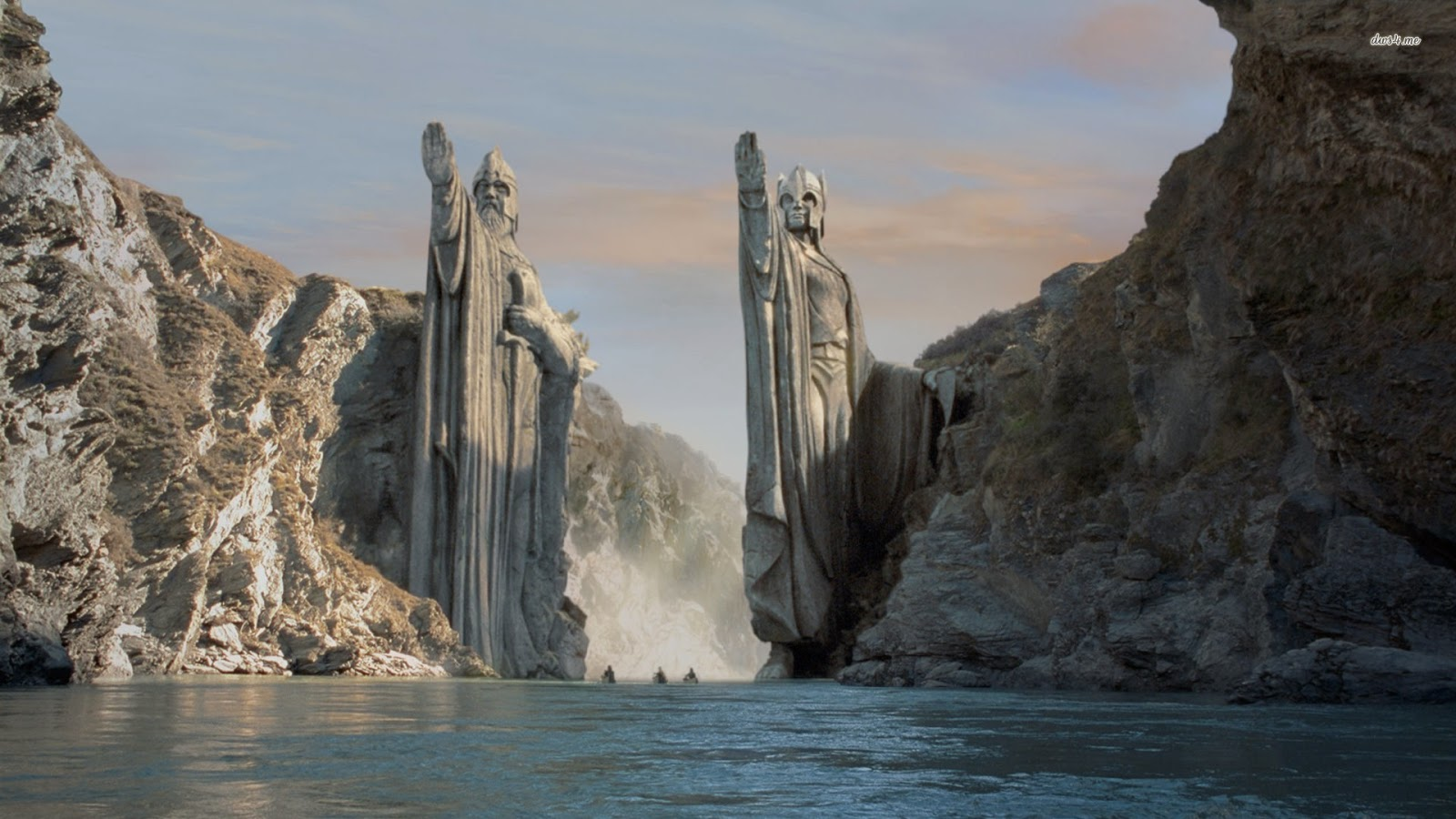 LOTR The Fellowship of the Ring - The Argonath - YouTube