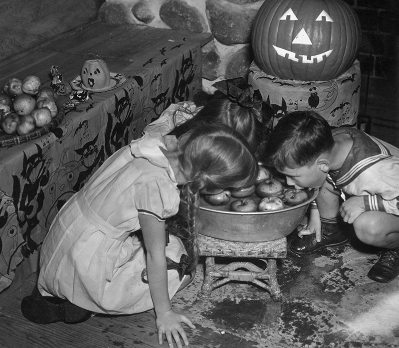 See How Kids Used to Celebrate Halloween From the 1930s Through ...